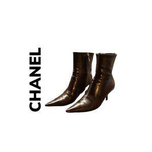 CHANEL BOOTS W/ KITTEN HEEL